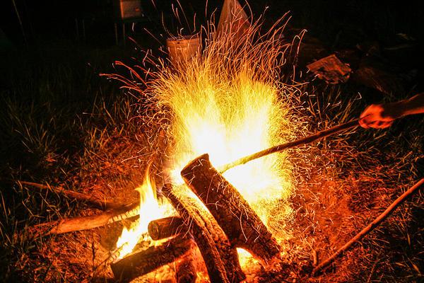 800px campfire