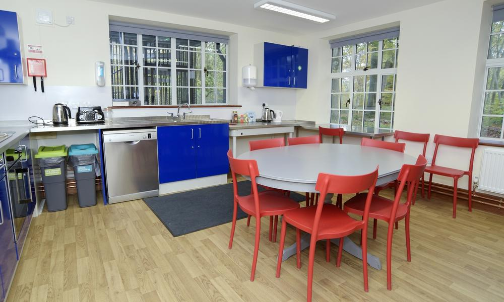Use of the Chalet Kitchen is gratis with any room booking